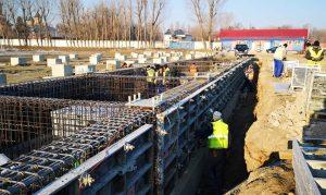 """Proiectantul lucrărilor de la stadionul """"Eugen Popescu"""" a fost schimbat. Se lucrează la fundația tribunei"""