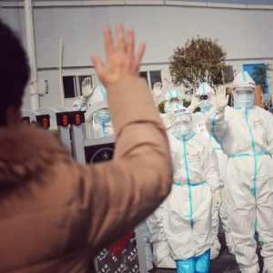 Vești bune:China A SCĂPAT de coronavirus: Medicii și-au dat jos măștile de protecție, după închiderea ultimului spital temporar