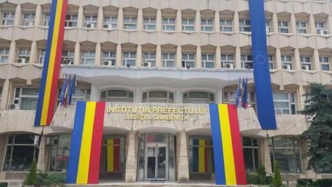 Proteste ale sindicaliștilor, în fața Prefecturii județului Dâmbovița