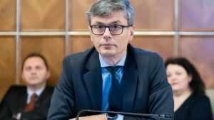 Virgil Popescu: A început producţia primelor măşti în România