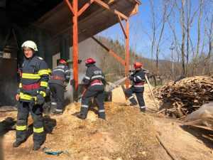 Incendiu la o fabrică de peleți din localitatea Vulcana de Sus