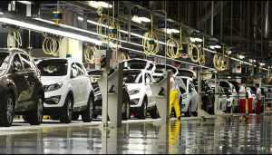 Prima companie auto care repornește producția în Europa