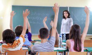 Ce se întâmplă dacă un copil are simptome COVID la școală?