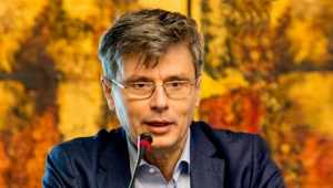 Ministrul economiei solicită românilor să ajute agențiile de turism