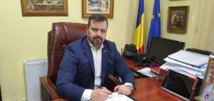 DSP DÂMBOVIȚA ȘI POLIȚIA RUTIERĂ AU INSPECTAT SOCIETĂȚI COMERCIALE CARE ASIGURĂ TRANSPORTUL MUNCITORILOR. VEZI CE AU CONSTATAT!