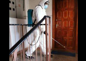 La Târgoviște se reia acțiunea de dezinfectare a scărilor de bloc