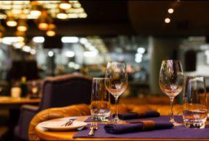 Restaurantele vor fi deschise în trei etape. Vezi ce presupune fiecare