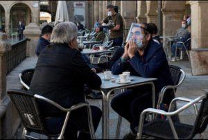 DRAGOȘ ANASTASIU: NICĂIERI ÎN EUROPA NU SE SOLICITĂ PURTAREA MĂȘTII DE PROTECȚIE LA TERASĂ