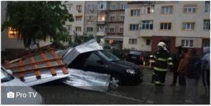 Furtuna a făcut ravagii în București și alte opt judeţe
