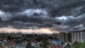 Cod galben de furtună în următoarele ore. Vezi județele vizate!