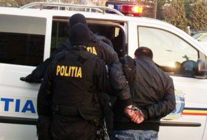 DÂMBOVIȚA: UN BĂRBAT CONDAMNAT S-A PREDAT POLIȚIEI PENTRU EXECUTAREA PEDEPSEI