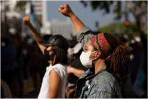 SUA: 25 de orașe se închid în încercarea de a opri protestele