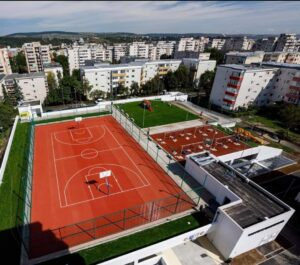 Foto: La Cluj-Napoca s-a dat în folosință primul parking semi-îngropat din România
