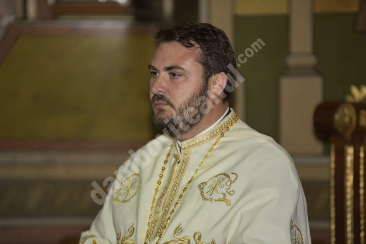 Pr. Vicar Eparhial Ionuț Ghibanu, mesaj dur pentru politicienii, autorităţile publice și șefii de deconcentrate care au lipsit de la sărbătoarea Sfântului Ierarh Nifon!