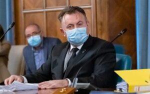 Tătaru nu renunță la masca pentru elevi: Nu facem experimente!