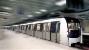 Momente de panică la metrou, în București. Explozia a degajat fum puternic