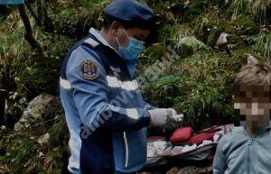DÂMBOVIȚA: Un copil accidentat a fost ajutat de jandarmii montani