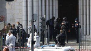 Atac terorist într-o catedrală din Nisa. O femeie a fost decapitată, alte două victime au decedat și mai multe persoane sunt înjunghiate
