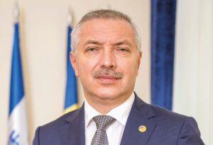 Leonard Azamfirei, rectorul UMF din Târgu Mureş, s-a alăturat PSD și va fi pe lista pentru alegerile parlamentare