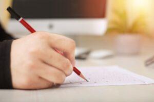Read more about the article Peste 3 mii de absolvenți de liceu dâmbovițeni sunt așteptați să participe, astăzi, la examenul de Bacalaureat, la proba obligatorie a profilului