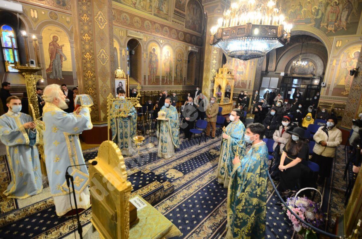 SĂRBĂTOAREA INTRĂRII ÎN BISERICĂ A MAICII DOMNULUI, LA CATEDRALA DIN TÂRGOVIȘTE