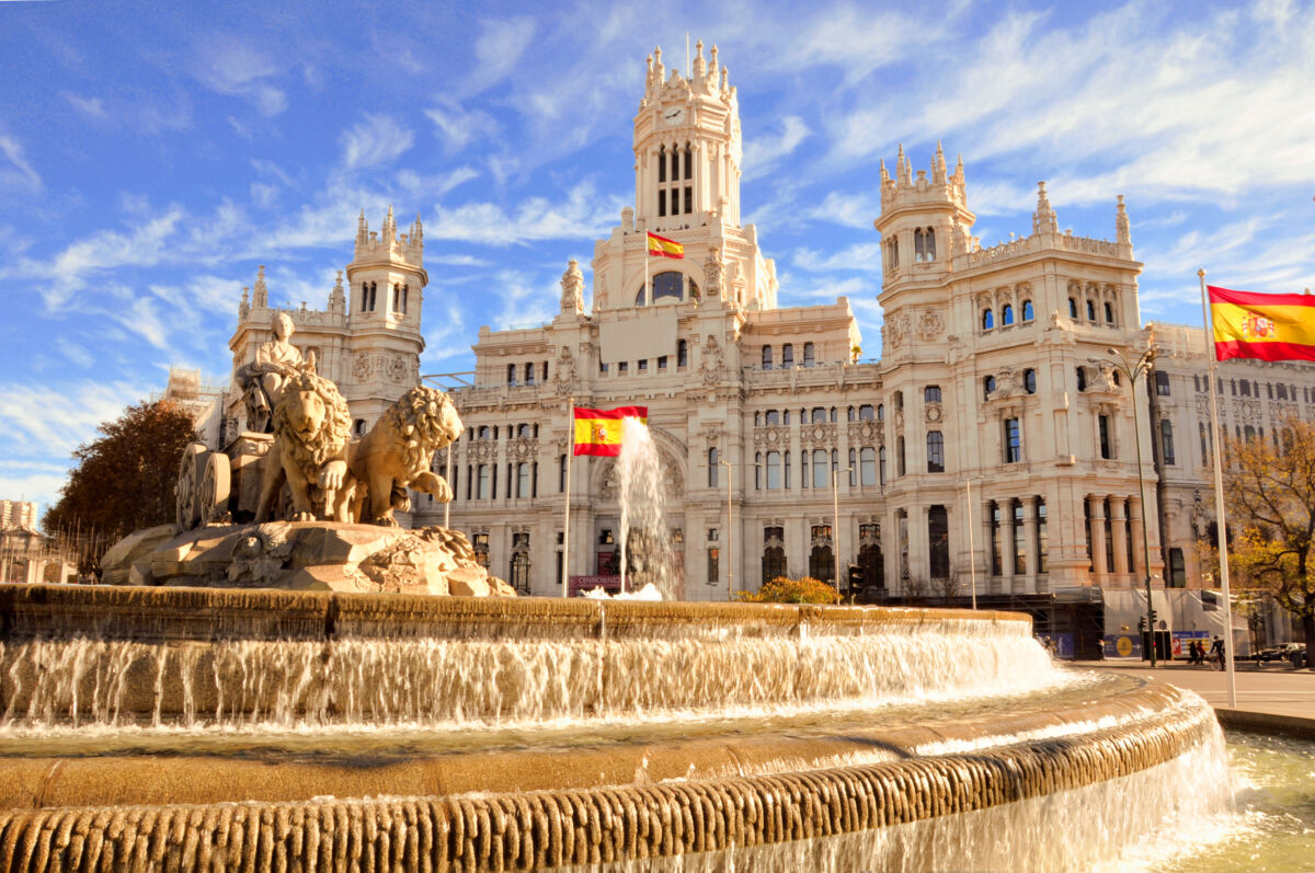 Oraşul Madrid se va închide în perioada 4 – 13 decembrie pentru a opri transmiterea Covid-19 înainte de Crăciun