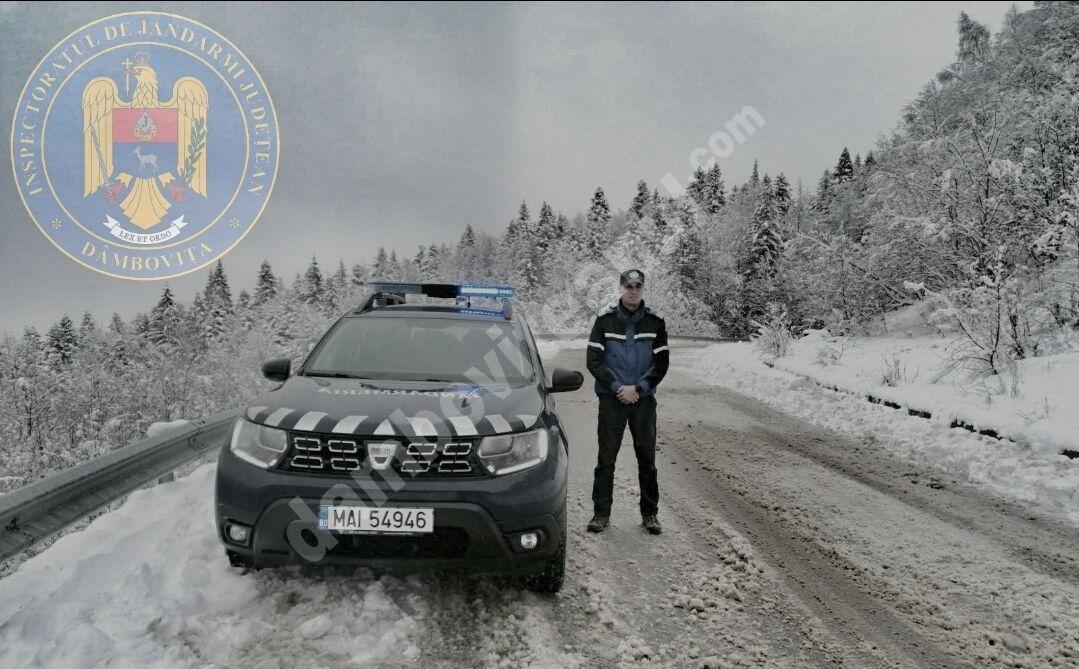 Jandarmii montani, de la posturile Zănoaga și Peștera, mereu aproape de turiști