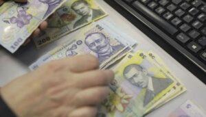 Începând de luni, românii pot cumpăra titluri de stat de la Ministerul Finanţelor