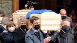 Casa fotbalistului Paolo Rossi a fost spartă în timpul înmormântării acestuia