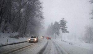 ANM: Informare de ninsori și viscol în zilele următoare
