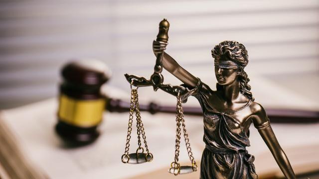 Decizie: Deschiderea unui cont pe rețelele de socializare cu numele altei persoane se pedepsește cu închisoare de la 1 la 5 ani