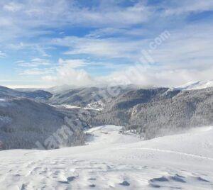 Cod galben de ninsori și vânt puternic în zonele montane din Dâmbovița și alte nouă județe
