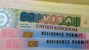 Cetățenii români care vor să lucreze în Regatul Unit au nevoie să aplice în prealabil pentru viză de lucru. Vezi cât costă și care sunt criteriile