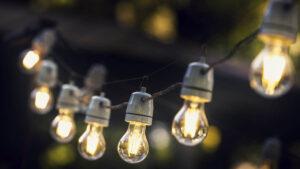 Read more about the article ANRE: Preţurile energiei vor creşte cu până la 13%, de la 1 iulie, dacă nu s-a încheiat un contract concurenţial