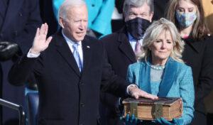 Joe Biden a depus jurământul și devine al 46-lea președinte american. Klaus Iohannis a transmis felicitări