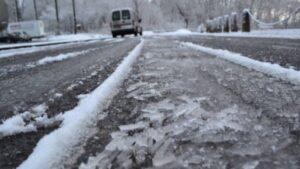 Atenționare meteo: Urmează ninsoare,  vânt și depunere de polei