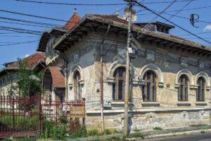 Impozite majorate, la Târgoviște, pentru clădirile si terenurile lăsate în paragină