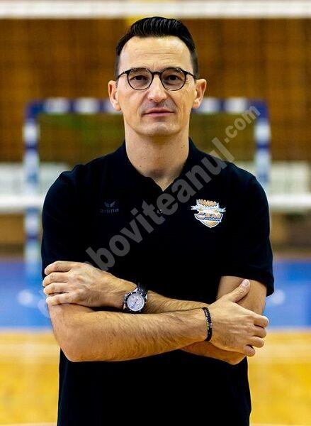 Voleibalistele au rămas fără antrenor principal! CSM Târgoviște l-a demis pe Dragan Nesic