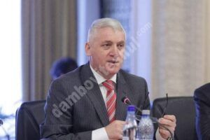 """Adrian Țuțuianu: """"Nu mai putem continua să finanțăm comune care au între 100 – 1.000 de locuitori, cu un aparat bugetofag inutil și resurse consumate aiurea"""""""