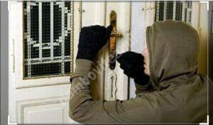 Persoane bănuite de furt calificat și tâlhărie calificată, reținute de polițiștii din Moreni
