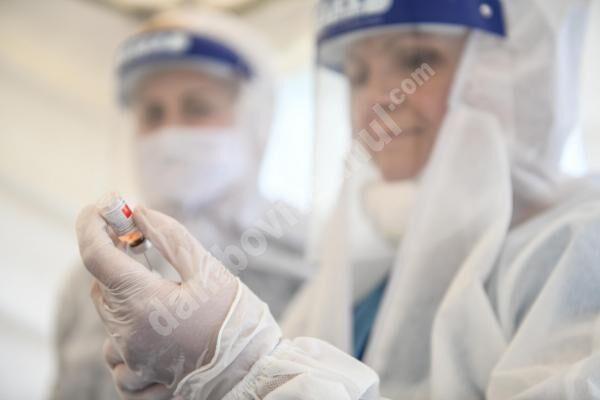 Persoanele cu reacții severe la vaccin vor primi compensații