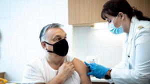 Premierul Ungariei s-a vaccinat anti-COVID-19 cu vaccinul chinezesc