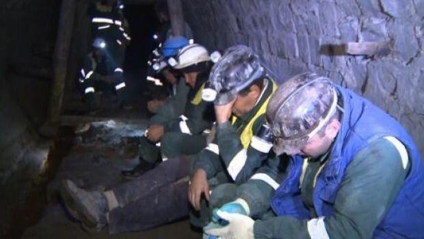 Minerii s-au blocat în subteran. Vor scris de la Guvern că își vor primi drepturile salariale restante
