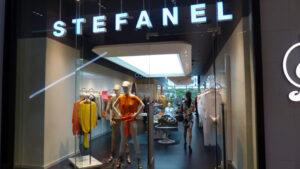 """Grupul italian de modă """"Stefanel"""" închide toate magazinele din România"""