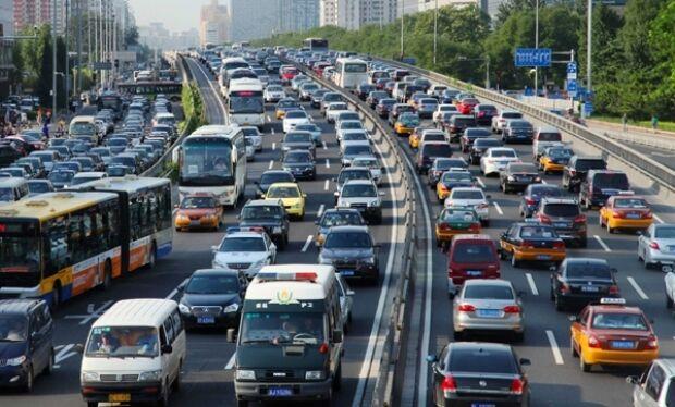 You are currently viewing Trafic aglomerat și restricții, în această dimineață, pe principalele artere rutiere din țară