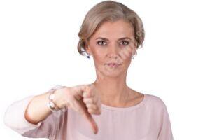 Read more about the article Profesorii care hărțuiesc elevii ar putea rămâne fără muncă