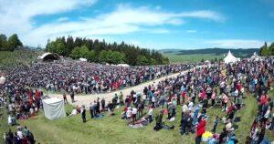 Harghita: Zeci de mii de pelerini au fost prezenți la Șumuleu Ciuc, de Rusaliile Catolice