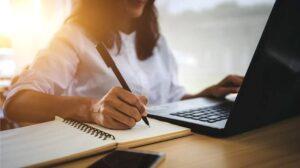 Read more about the article 75% dintre cadrele didactice dâmbovițene, care au susținut definitivatul în învățământ au obținut note peste 8 la scris