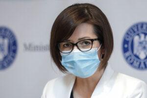 Ministrul Sănătăţii: Trebuie să începem să mergem fără mască în anumite zone, în spaţii deschise