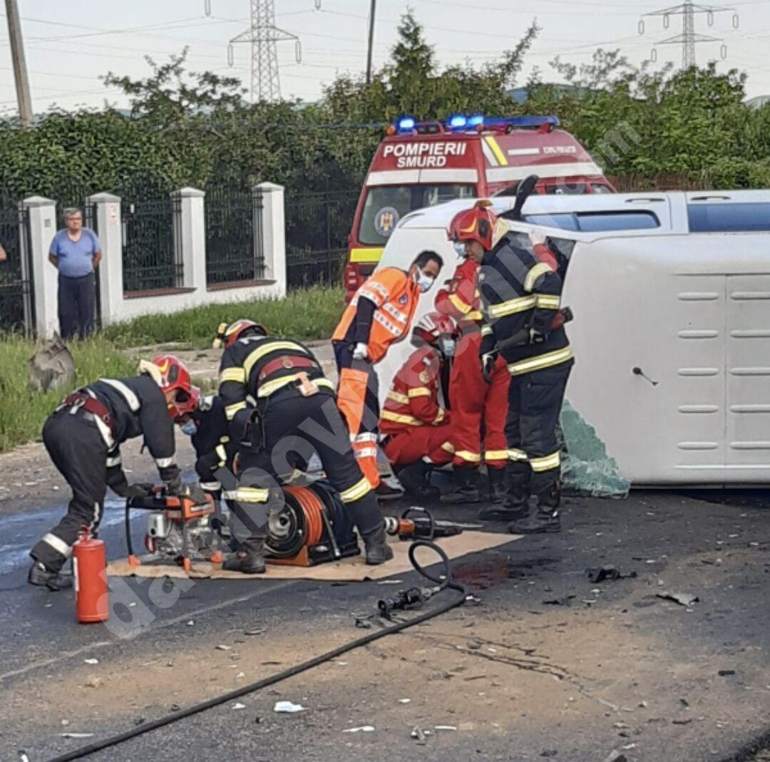 Dosar penal după tragicul accident rutier de la Aninoasa, în care două persoane și-au pierdut viața, iar 7 copii au ajuns la spital